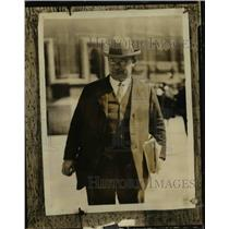 1926 Press Photo Ernest Bevin Leaves House As General Strike Paralyzes England