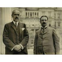 1923 Press Photo Dr Imre Kadosy of Hungary & Dr Wm Benard police comm.
