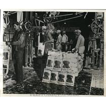 1932 Press Photo Surplus wheat at millers in Cleveland Ohio