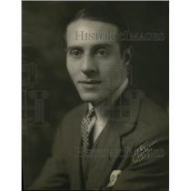 Undated Press Photo Actor, Dennis d' Auburn