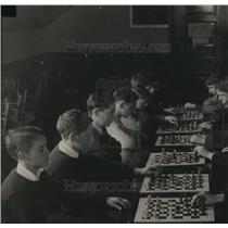 1928 Press Photo Prof Goodspeed's Chess Loss at Quincy
