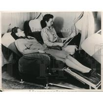1951 Press Photo The radically new Sleeping Compartment for air travellers