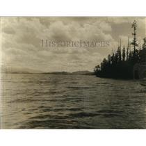 1922 Press Photo Majestic Lake