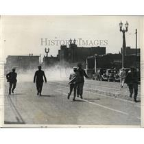 1932 Press Photo St Louis City Hall demonstration, shots fired & tear gas used