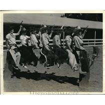1934 Press Photo Harriet Hood Sweetheart of the Rodeo and Entrants for Rodeo