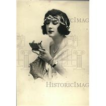 1922 Press Photo Milady of Paris Wearing Silver Vanity Boxes