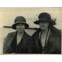 1923 Press Photo Charlotte H Jordan & Mrs Edna B Perkins of NY crossed Sahara
