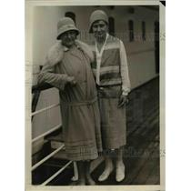 1930 Press Photo Gertrude Kundt, Ronati Kundt Flee Bolivian Military Revolution