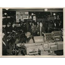 1931 Press Photo The toy department of a West End Store