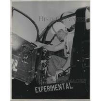 1948 Press Photo Robert I. Eucker Pilot Winner Sohio Trophy Race