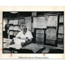 1976 Press Photo Richard Fay Retiring at Cleveland Hopkins Airport