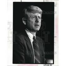 1987 Press Photo Ted Koppel at Akron Civic Theatre