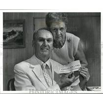 1987 Press Photo Walter and Helen Frey WIth Delata Airline Ticket