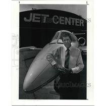 1991 Press Photo Davis Ivey General Manager of I-X Jet Center.