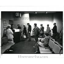 1988 Press Photo People Waiting to Board US Airline for Albany, New York