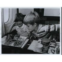 1981 Press Photo Special meals at the United Airlines