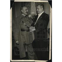 1921 Press Photo Marshal Ferdinand Foch shown with Supreme Advocate Joseph