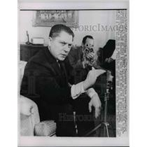 1963 Press Photo Jimmy Hoffa Teamsters Union President Speaking To Reporters