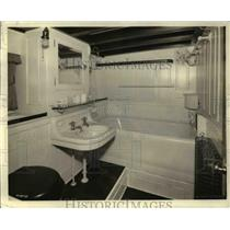 1921 Press Photo Governors Private Bathroom Aboard A Ship