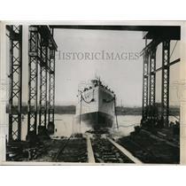 1934 Press Photo Coast Guard cutter The Commanche launched in Delaware