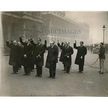 1930 Press Photo The Italian delegates at Cenotaph