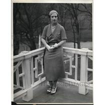 1931 Press Photo Barbara Hunter on the casino terrace at White Sulphur Springs
