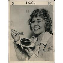 1918 Press Photo Los Angeles California John Fencel, new bottomless pie crust