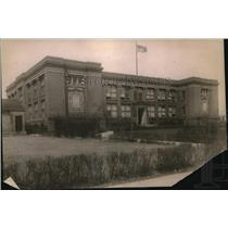 1920 Press Photo The modern fireproof school building