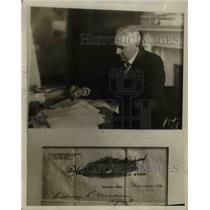 1930 Press Photo Sidney L. Weedon writing a letter