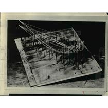1929 Press Photo The model of earth electron streams prepared by Dr. Stromer