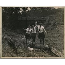 1920 Press Photo School Girls walking at Camp near Kansas City, Kansas