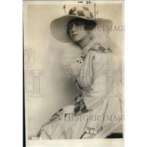 1920 Press Photo Mrs Marjorie Blanche Chew charged with stealing furs