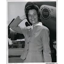1957 Press Photo United Airlines stewardess Marcelle Eason in Chicago