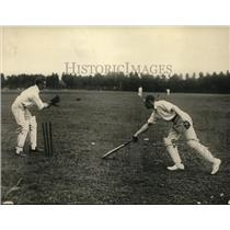 1922 Press Photo Cricket player, Yencken, of the British Embassy team prevails