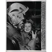 1958 Press Photo Bruce Cox, 2 year old Randy Condon. In cockpit Indianapolis