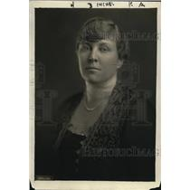 1920 Press Photo Mrs. Kellogg Fairbank in her formal wear