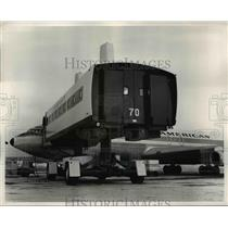1970 Press Photo Plane-mate at airports - ned75552