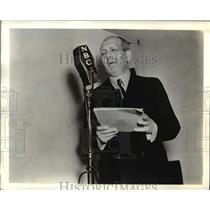 1927 Press Photo Gabriel Heatter metro journalist on NBC-Blue radio