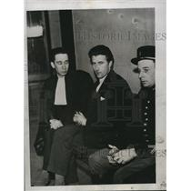 1934 Press Photo Robert Gordon Switz Suspect in Spy Case and Maitre Klotz Paris