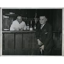 1933 Press Photo Oscar Draws First Legal Cork & John O'Connor at Waldorf Astoria