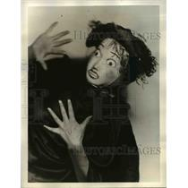 1938 Press Photo Playing the part of The Foolish Woman