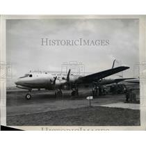 1945 Press Photo Skymaster Plane at Washington Airport