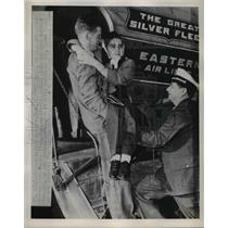 1951 Press Marilyn Smith & husband on Eastern Airline planePhoto - ned75751