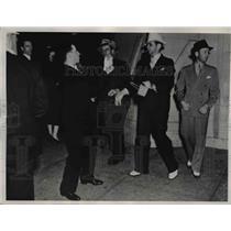 1937 Press Photo LA Newspaper Photographer at the American Legion Hall