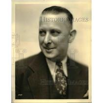 1933 Press Photo John P Murray emcee on Old Gold broadcasts in Pa