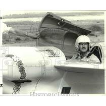 1983 Press Photo Phil Fogg, in the cockpit of his 550-pound midget airplane