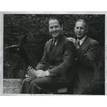 1933 Press Photo Jimmy Matter Worl Flyer and Coach Howard Jones of U.S.C.