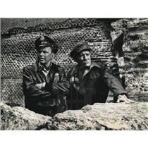 1965 Press Photo Frank Sinatra, Trevor Howard in Von Ryan's Express
