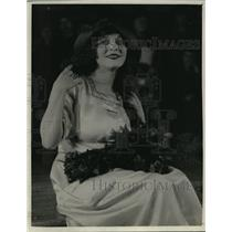 1921 Press Photo Miss Violet Olivia