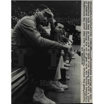 1966 Press Photo Wilt Chamberlain sick with a trace of ptomaine poisoning.